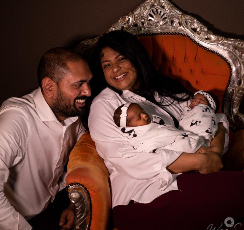 Newborn fotoshoot gezin tweeling